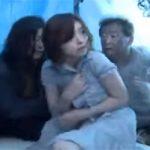 【マジキチ】目の前でホームレスに輪姦される妻・・・それを見てチンコギンギンな夫wwwww
