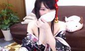 【ライブチャット動画】花魁っぽい衣装で配信してる乳首が綺麗な女の子