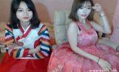 【ライブチャット】どちらもおっぱいが大きい2人組の女の子が色んな衣装に着替えたりでエロ配信!