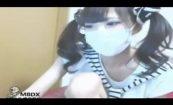 【ライブチャット】ツインテールな可愛らしい女の子がチラチラ服の隙間から見せる