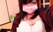 【ライブチャットエロ動画】眉間の肌荒れがきになる女の子によるエロ配信