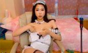 【ライブチャットエロ動画】メイド服姿で股間をいじくる韓国のスタイル抜群チャットレディー