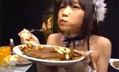 【優木あおい】全裸でお腹一杯ご飯を食べるスレンダーな女の子