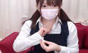 【ライブチャットエロ動画】パンツに手を突っ込んでマンコをいじる制服姿の美少女