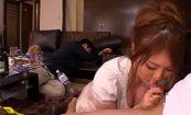 【エロ動画】酔いつぶれた旦那のすぐ側で旦那の友人に犯される爆乳人妻!!【仁科百華】